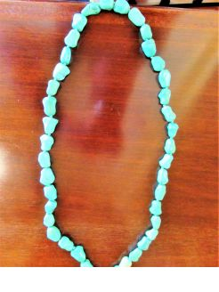 Turquoise beads & 9ct gold clasp