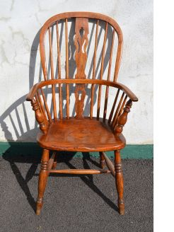 19th century oak windsor armchair