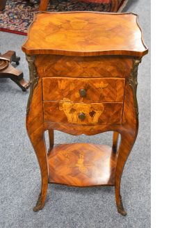 French pedestal / drawers