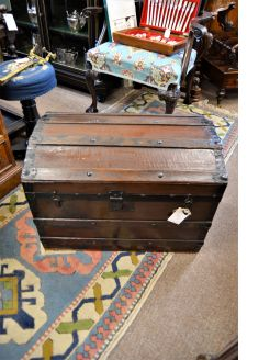 Old chest / trunk