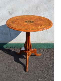 Victorian burr-walnut occasional table with inlay
