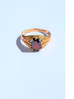 9ct gold garnet gent ring
