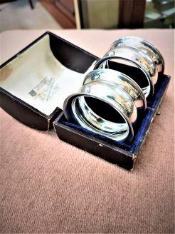 Pair of silver napkin ringsin original case