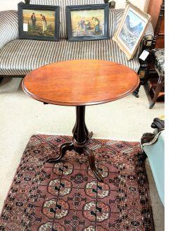 Mahogany oval tilt top table