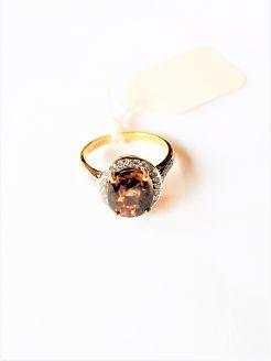 18ct gold topaz & diamond ring