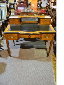 Edwardian rosewood leather top desk with inlay
