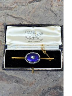 Gold diamond & enamel brooch