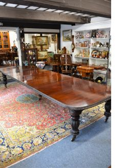 Victorian five leaf dining room table