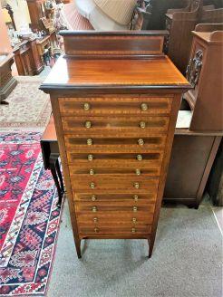 Edwardian mahogany cabinet / chest
