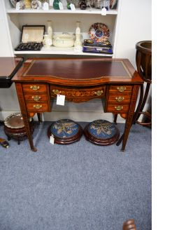 Edwardian leather top desk with inlay