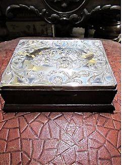 Silver top box