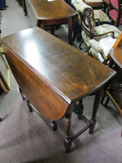 An oak gate leg table