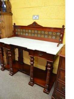 Victorian mahogany marble topped washstand