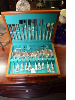 44 piece kings pattern cutlery set
