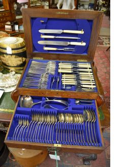 97 piece oak cased cutlery set