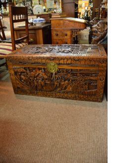 Chinese camphor wood trunk / chest