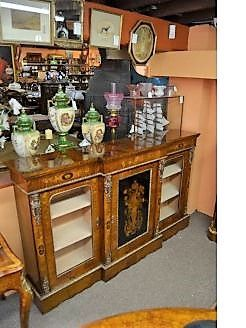 Victorian burr-walnut credenza with inlay