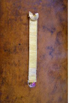 9ct gold and ruby clasp