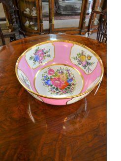 Painted porcelain bowl