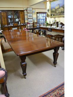 Late victorian four leaf dining table