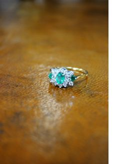 18ct gold diamond & emerald ring