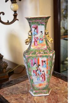 19th century chinese / cantonese vase