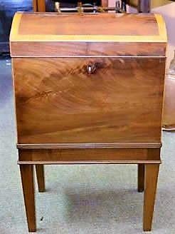 A fine georgian mahogany cellerate