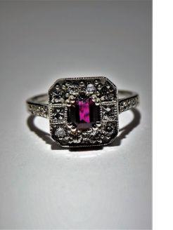 18ct ruby & diamond ring