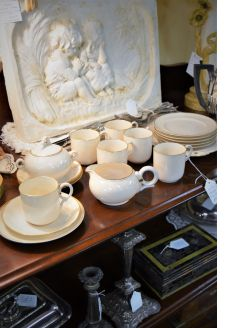 21 piece belleek tea set