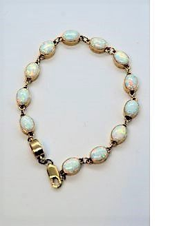 9ct gold & opal braclet