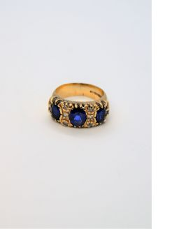 9ct gold & sapphire ring