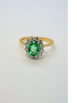 18ct gold emerald & diamond ring