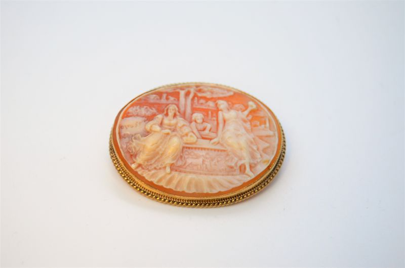 9ct gold cameo