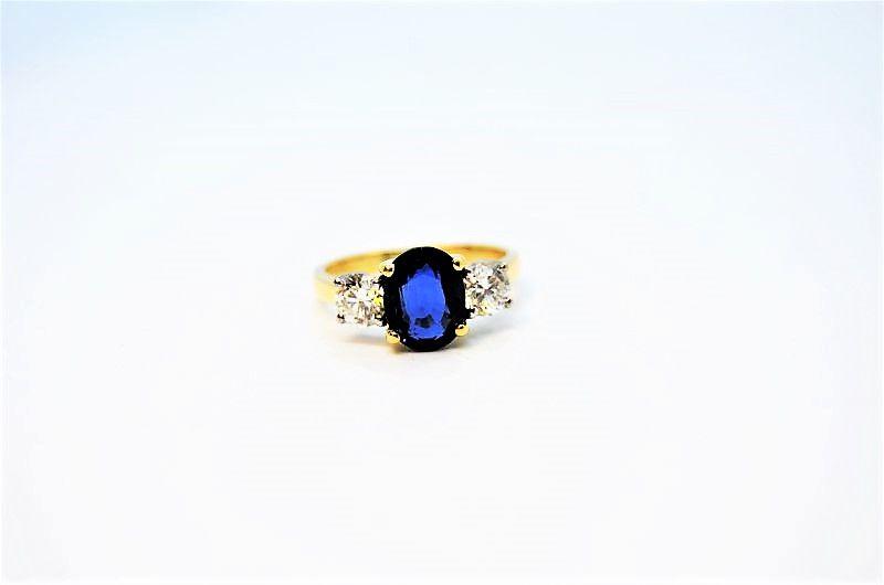 18ct gold ,sapphire & diamond ring