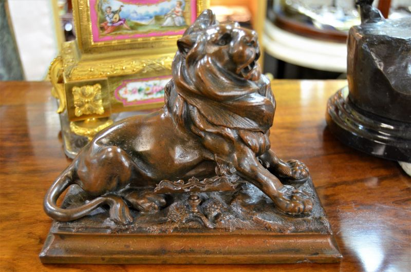 Spelter lion ink well