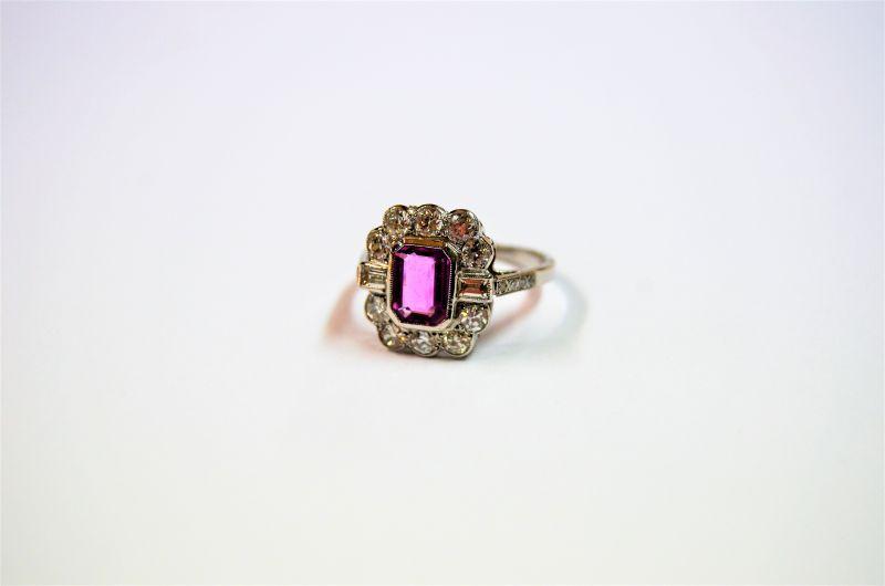 18ct gold ,diamond & pink sapphire ring