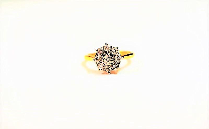 18ct gold diamond ring (appox 1ct diamond)