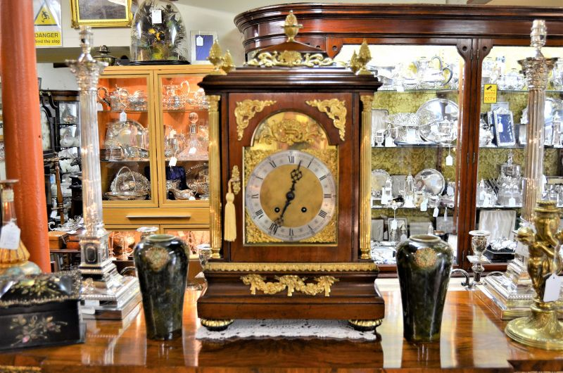 Victorian mahogany cased mantle clock