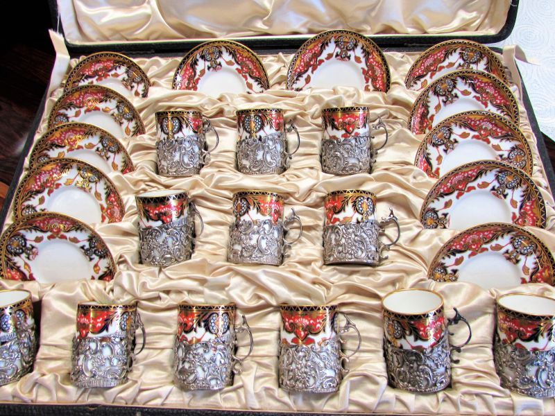 Cased set of royal crown derby
