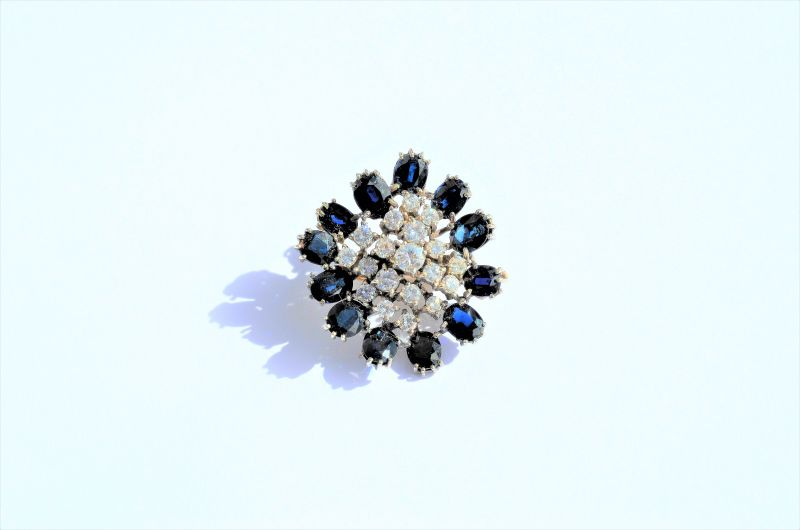 Gold , sapphire & diamond clip/ pendant