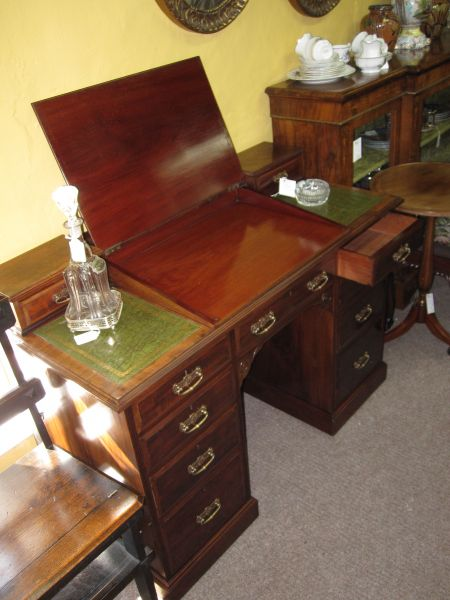 leather topped writing desk Mahogany desks from lock stock & barrel furniture if space is limited the kneehole computer desk with a choice of leather or wooden top could be a good choice.