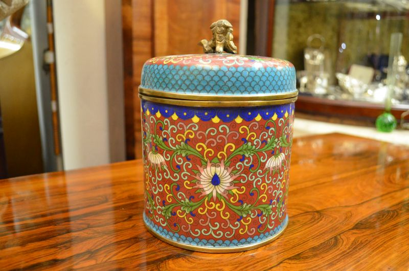 Chinese cloisonne vase with lid