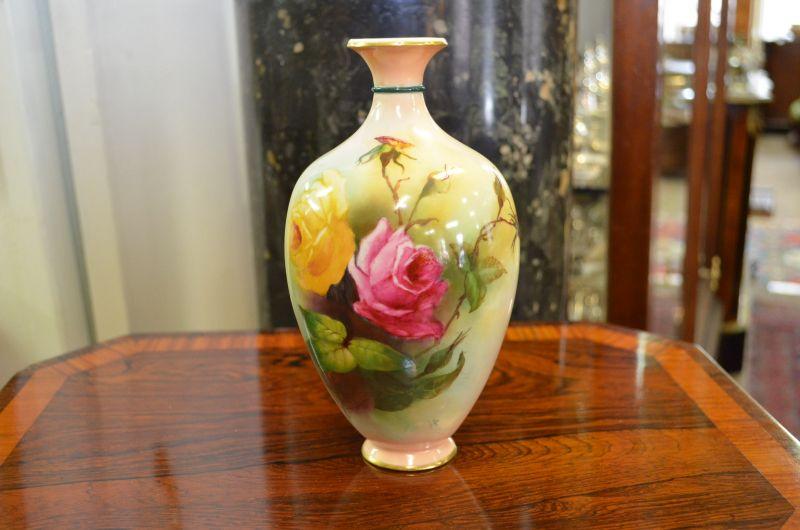 Royal Worcester Vase Signedsku7646