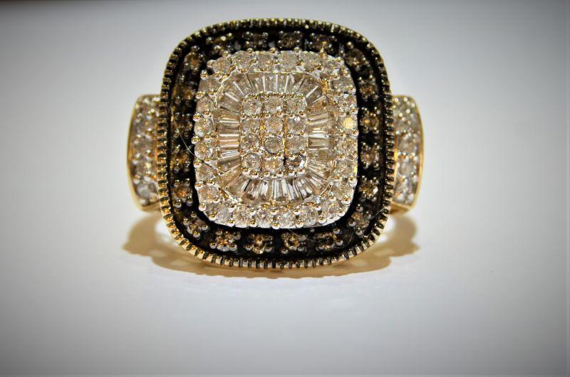 9ct gold ring baguette cut diamonds