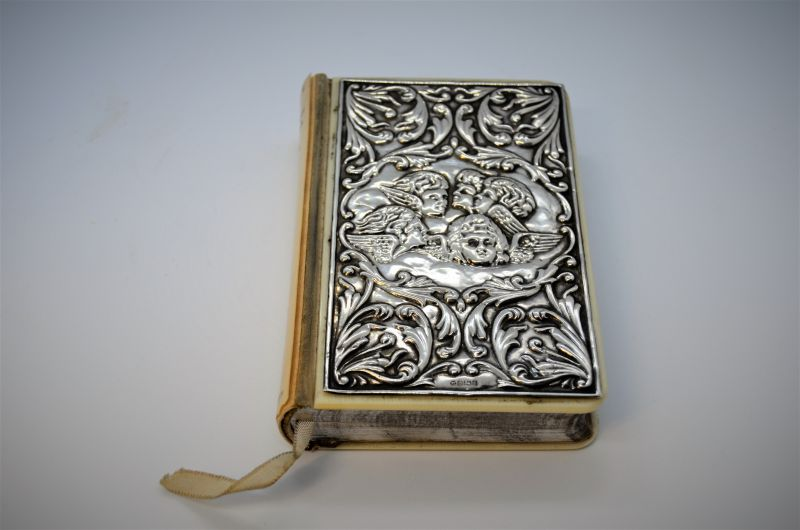 Silver fronted bible / common prayer book