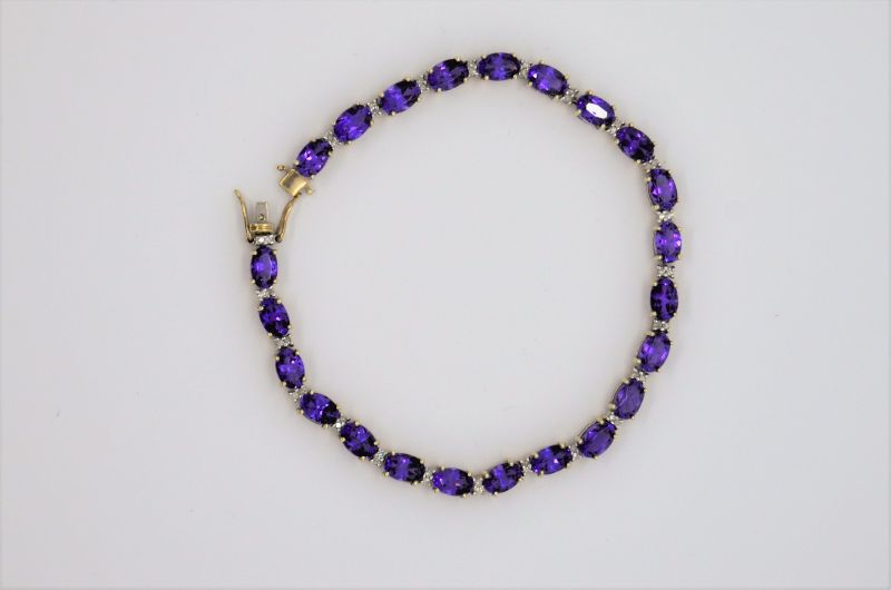 9ct gold amethyst bracelet