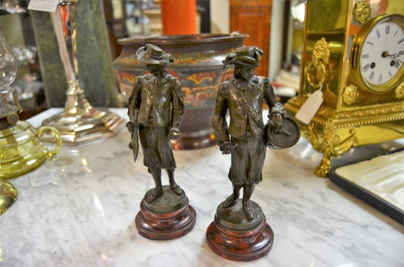 Pair of bronze figures